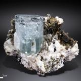 Berilo (variedad aguamarina)<br />Nagar, Valle Hunza, Distrito Gilgit, Gilgit-Baltistan (Áreas del Norte), Paquistán<br />112 X 91 mm<br /> (Autor: Manuel Mesa)