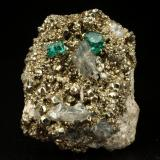 Beryl (variety emerald), Albite (variety cleavelandite), Calcite, Pyrite<br />Chivor mining district, Palo Arañado Mine, Municipio Chivor, Eastern Emerald Belt, Boyacá Department, Colombia<br />18x25x12mm, xls=4 &amp; 3mm<br /> (Author: Fiebre Verde)