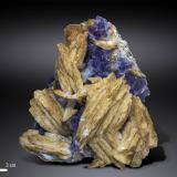 Barite and Fluorite<br />La Cabaña, Berbes mining area, Valdelmar, Berbes, Ribadesella, Comarca Oriente, Asturias, Principality of Asturias, Spain<br />96 x 86 mm<br /> (Author: Manuel Mesa)