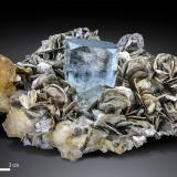 Beryl (variety aquamarine)<br />Chumar Bakhoor, Hunza Valley, Nagar District, Gilgit-Baltistan (Northern Areas), Pakistan<br />142 x 114 mm<br /> (Author: Manuel Mesa)