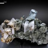 Beryl (variety aquamarine) and Adularia<br />Nagar, Hunza Valley, Nagar District, Gilgit-Baltistan (Northern Areas), Pakistan<br />114 x 70 mm<br /> (Author: Manuel Mesa)