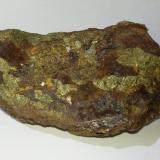 Calcopirita<br />Barranco del Jaroso, Sierra Almagrera, Cuevas del Almanzora, Comarca Levante Almeriense, Almería, Andalucía, España<br />10cm x 7cm<br /> (Autor: srm13151)