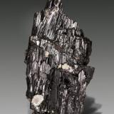Ferberite<br />Yaogangxian Mine, Yizhang, Chenzhou Prefecture, Hunan Province, China<br />85 X 43 mm<br /> (Author: Manuel Mesa)