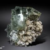 Fluorite and Calcite<br />Xianghuapu Mine, Xianghualing Sn-polymetallic ore field, Linwu, Chenzhou Prefecture, Hunan Province, China<br />100 x 92 mm<br /> (Author: Manuel Mesa)