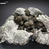 Calcite and Quartz<br />Huanggang Mines, Hexigten Banner (Kèshíkèténg Qí), Ulanhad (Chifeng), Inner Mongolia Autonomous Region, China<br />115 x 77 mm<br /> (Author: Manuel Mesa)