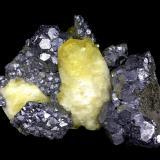 Calcite<br />West Fork Mine, West Fork, Viburnum Trend District, Reynolds County, Missouri, USA<br />12 cm x 8 cm x 6 cm<br /> (Author: Turbo)