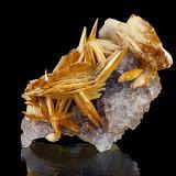 Baryte, Fluorite<br />La Cabaña, Berbes mining area, Valdelmar, Berbes, Ribadesella, Comarca Oriente, Asturias, Principality of Asturias, Spain<br />11 x 7 x 6 cm<br /> (Author: Niels Brouwer)