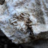 Dolomita<br />Minas San Jorge, Riópar, Comarca Sierra de Alcaraz, Albacete, Castilla-La Mancha, España<br />3cm x 3cm<br /> (Autor: DPC)
