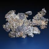Plata (variedad kongsbergita)<br />Mina Imiter, Jebel Saghro, Distrito Imiter, Provincia Tinghir, Región Drâa-Tafilalet, Marruecos<br />7 x 5 cm.<br /> (Autor: Antonio P. López)
