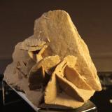 Gypsum<br />Tunisia<br />11cm x 7cm x 11 cm<br /> (Author: franjungle)