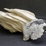 Baryte, Quartz, Sphalerite<br />New Glencrieff Mine, Wanlockhead, Dumfries and Galloway, Scotland, United Kingdom<br />10 x 4 x 5 cm<br /> (Author: James)