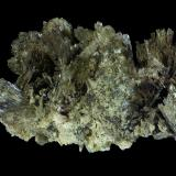 Clinozoisita<br />Can Vernenc, (Massís del Montnegre), La Batllòria, Sant Celoni, Comarca Vallès Oriental, Barcelona, Catalunya, España<br />2,5 x 1,5 x 1 cm<br /> (Autor: Javier Rodriguez)