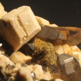 Quartz, Feldspar and Muscovite.<br />Raccoon Gulch (Gulch locality), Ossipee, Carroll County, New Hampshire, USA<br />FOV 10 cm.<br /> (Author: vic rzonca)