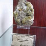 Fluorite (+ Quartz?, Siderite?, Chalcopyrite?)Marienberg, Erzgebirgskreis, Sajonia/Sachsen, AlemaniaApprox. 10 cm (Author: Tobi)