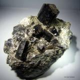 Dravita y Mica.<br />Araçuaí, Jequitinhonha, Minas Gerais, Brasil<br />95x70 cristal mayor 25x25 mm.<br /> (Autor: Jesus Franquesa Baucells)