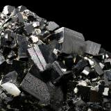 Magnetita<br />Balmat, Distrito Balmat-Edwards Zinc, Condado St. Lawrence, New York, USA<br />encuadre 70x50mm<br /> (Autor: Ramon A  Lopez Garcia)