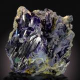 Azurita<br />Mina Tsumeb, primera zona de oxidación, Tsumeb, Región Otjikoto, Namibia<br />11 x 10cm, cristales hasta 6cm<br /> (Autor: Raul Vancouver)