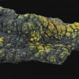 Malaquita, Piromorfita<br />Brown's cielo abierto, Rum Jungle, Batchelor, Condado Coomalie, Territorio del Norte, Australia<br />12,7 x 6,8 cm.<br /> (Autor: Xavier Bordas)