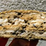 Dolomita (variedad teruelita)<br />Vilanova de la Sal, Comarca Noguera, Lleida / Lérida, Catalunya, España<br />10,5 x 4,0 cm.<br /> (Autor: Carles)