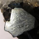 Tetraedrita, Pirita, Cuarzo, Esfalerita<br />Mina Cavnic, Zona minera Cavnic, Cavnic, Maramures, Rumanía<br />cara de cristal: 1x1 cm<br /> (Autor: Kaszon Kovacs)
