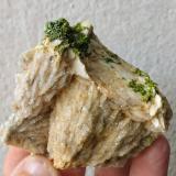 Piromorfita, Cuarzo, Barita<br />Bouillac, Villefranche-de-Rouergue, Aveyron, Occitanie, Francia<br />5,7 x 5,4 cm.<br /> (Autor: Carles)