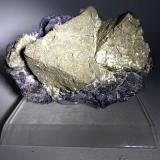 Pyrite, Magnetite<br />Brosso Mine, Cálea, Léssolo, Canavese District, Torino Province, Piedmont (Piemonte), Italy<br />88 x 56 mm<br /> (Author: Sante Celiberti)