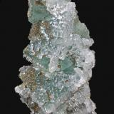 Fluorita, Cuarzo, Pirita<br />El Hamman, Meknès, Prefectura Meknès, Región Drâa-Tafilalet, Marruecos<br />5,2 x 4,6 cm.<br /> (Autor: Xavier bordas)