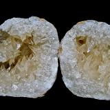 Calcite on Quartz<br />Lawrence County, Indiana, USA<br />Another example: Calcites to 2.5 cm in 6.5 cm geode<br /> (Author: Bob Harman)