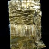 Anfibol ( variedad crisotilo)<br />Mine Blue Sky, Wittenoom Gorge, Gama Hamersley, Perth area metropolitana, Región Pilbara, Australia Occidental, Australia<br />10 x 6 x 4 cm.<br /> (Autor: Felipe Abolafia)