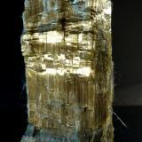 Anfíbol (variedad crisotilo)<br />Mine Blue Sky, Wittenoom Gorge, Gama Hamersley, Perth area metropolitana, Región Pilbara, Australia Occidental, Australia<br />10 x 6 x 4 cm.<br /> (Autor: Felipe Abolafia)