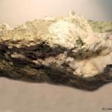 Analcima<br />Pedrera Enviny, Roca de Sant Julià, Montardit de Dalt, Sort, Comarca Pallars Sobirà, Lleida / Lérida, Catalunya, España<br />16 x 6 cm<br /> (Autor: Joan Niella)