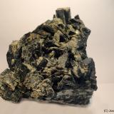 Actinolita (variedad ferroactinolita)<br />Cantera del Negral, Cuesta del Negral, Pozo Alcón, Comarca Sierra de Cazorla, Jaén, Andalucía, España<br />6 x 7 cm<br /> (Autor: Joan Niella)