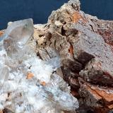 limonite after Siderite, Quartz<br />Saurüssel, Mörchner area, Zemmgrund, Ziller Valley (Zillertal), North Tyrol, Tyrol/Tirol, Austria<br />7 x 4 cm<br /> (Author: Volkmar Stingl)
