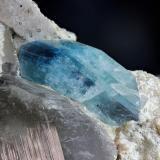 Euclasa<br />Alto das Cabezas, Parelhas, Seridó, Rio Grande do Norte, Brasil<br />cristal 35x20mm<br /> (Autor: Ramon A  Lopez Garcia)