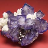 Fluorite, sphalerite, dolomite Elmwood mine, Carthage, Central Tennessee Ba-F-Pb-Zn District, Smith Co., Tennessee, USA 98 mm x 80 mm x 50 mm (Author: Carles Millan)