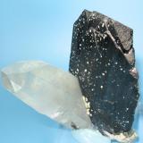 Ferberite, quartz Yaogangxian Mine, Yizhang Co., Chenzhou Prefecture, Hunan Province, China 70 mm tall x 50 mm wide (Author: Carles Millan)