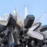 Hübnerite, quartz Mundo Nuevo Mine (Labor Toro), Huamachuco, La Libertad, Peru 100 mm x 60 mm  Close-up view (Author: Carles Millan)
