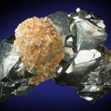Hematite, quartz Rio Marina, Isola d'Elba, Livorno, Toscana, Italy 65 mm x 45 mm x 40 mm (Author: Carles Millan)