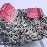 Rhodochrosite, quartz, pyrite, sphalerite, tetrahedrite 01-04 Pocket, Fluorite Raise, Sweet Home Mine, Alma, Colorado, USA 73 mm x 56 mm x 39 mm (Author: Carles Millan)