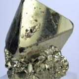 Pyrite Mina Huanzala, Huallanca, Dos de Mayo, Huánuco, Peru 64 mm x 56 mm. Main crystal: 52 mm tall, 42 mm on edge (Author: Carles Millan)