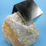 Pyrite Ampliación a mina Victoria, Navajún, La Rioja, Spain 83 mm x 80 mm. Crystal size: 43 mm on edge (Author: Carles Millan)
