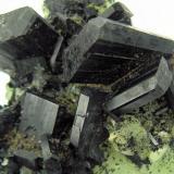 Babingtonite, prehnite, quartz Qiaojia, Zhaotong, Yunnan, China 83 mm x 59 mm  Close up view (Author: Carles Millan)