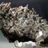 Quartz coated by iron oxides Biggenden. Queensland. Australia 8.8 x 10.0 x 5.5 cm (Author: Jon Mommers)
