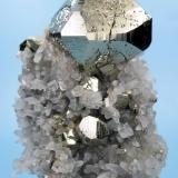 Pyrite, quartz, calcite? Huanzala Mine, Huallanca District, Dos de Mayo Province, Huánuco Department, Peru (Author: Carles Millan)
