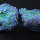 Azurite Malachite nodule, Mogok Burma. (Two pieces fit together perfectly) each half is around 30 x 25 mm (Author: nurbo)