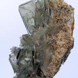 Baryte Cerro Huarihuyn, Miraflores, Huamalíes Province, Huánuco Department, Peru 102 mm x 56 mm. Main crystal: 30 mm x 23 mm (Author: Carles Millan)