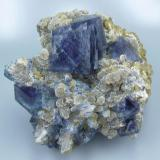 Fluorite, siderite, quartz, muscovite. Yaogangxian Mine, Yizhang, Chenzhou, Hunan, China 78 mm x 70 mm x 40 mm  The actual fluorite color may be slightly darker, depending on the light source, the camera used to take the photo and the computer monitor that displays it. (Author: Carles Millan)