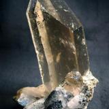 Smoky quartz crystal, from Dodo Mine, Tyumenskaya Oblast', Polar Urals, Western-Siberian Region, Russia  Size 105 x 65 x 50 mm (Author: olelukoe)