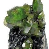 Titanite Tormiq Valley, Haramosh Mts., Skardu, Gilgit-Baltistan, Pakistan 75 mm x 50 mm x 28 mm. Main crystal: 18 mm long, 6 mm thick (Author: Carles Millan)