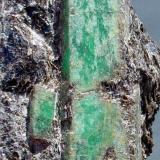 ESMERALDA Pontevedra 10[1].7 x 6.3 cm. Cristal de 6 cm. de arista.JPG (Autor: DAni)